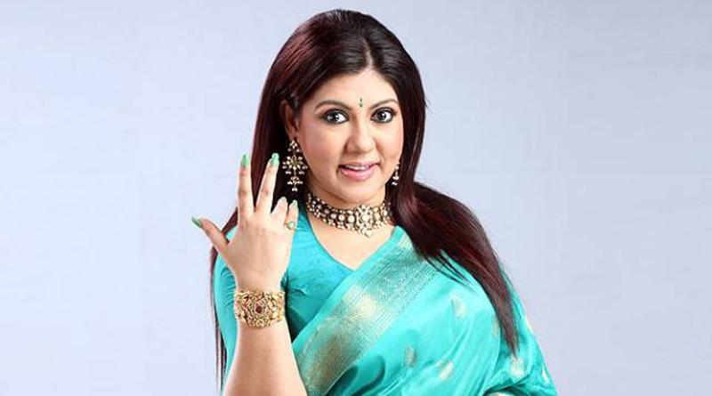 Bengali Singer Parama Banerjee suffering from eye problem | Sangbad Pratidin