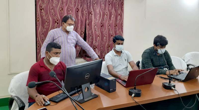 Purulia administration provides job to 8 thousand migrant workers । Sangbad Pratidin