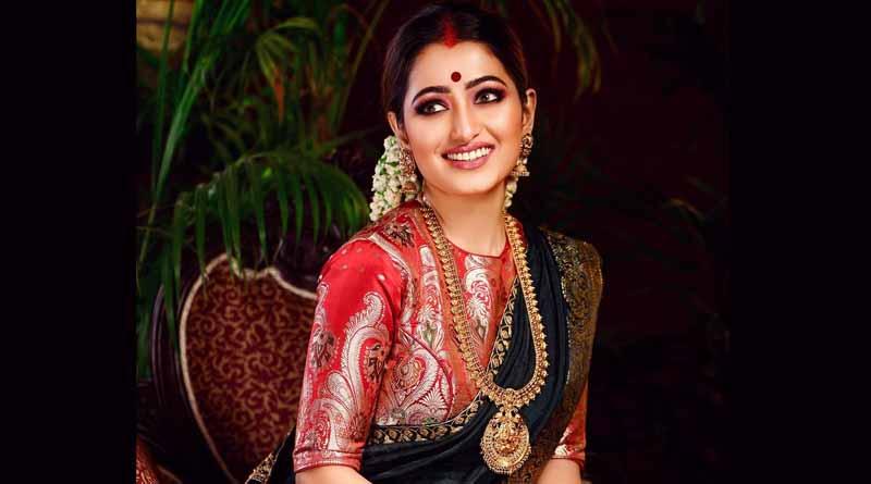 Television actress Sudipta Banerjee shares her childhood struggling period on facebook | Sangbad Pratidin