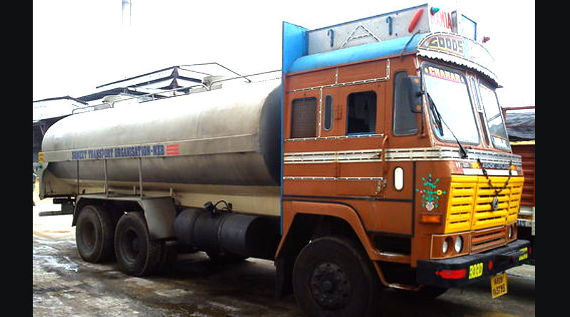 Tanker accident at Fort William campus at Kolkata | Sangbad Pratidin