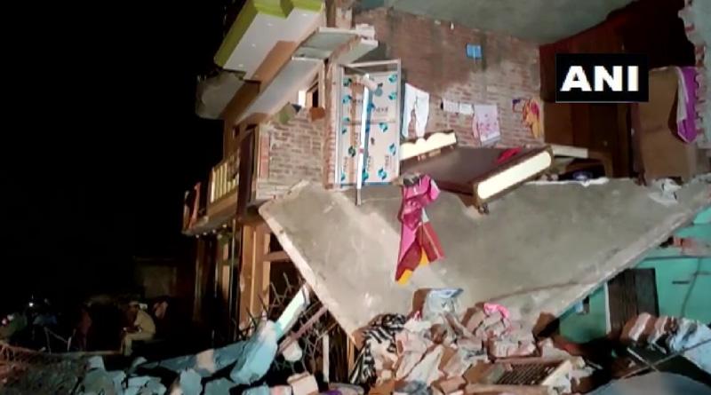 Uttar Pradesh: Two adjacent houses collapsed after a cylinder blast in Gonda | Sangbad Pratidin