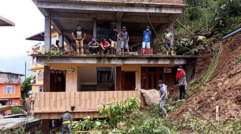 Sikkim: Landslides claim life of 2 persons, damage road | Sangbad Pratidin