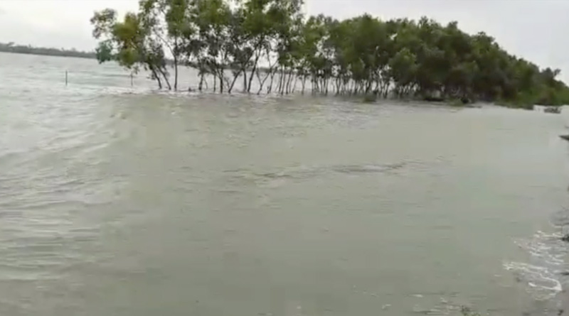 High-tide scare at Sunderbans | Sangbad Pratidin