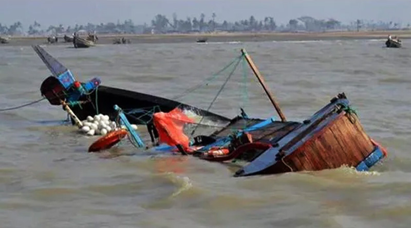 trawler capsized in Haldi river at Nandigram, one died | Sangbad Pratidin