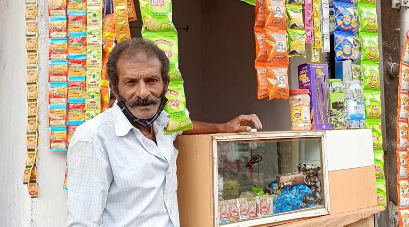 viral cha kaku Mridul Dev opens tea shop | Sangbad Pratidin