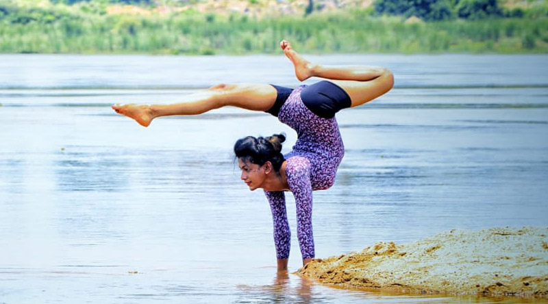 Raniganj student creates record in Yoga, named in India book of records