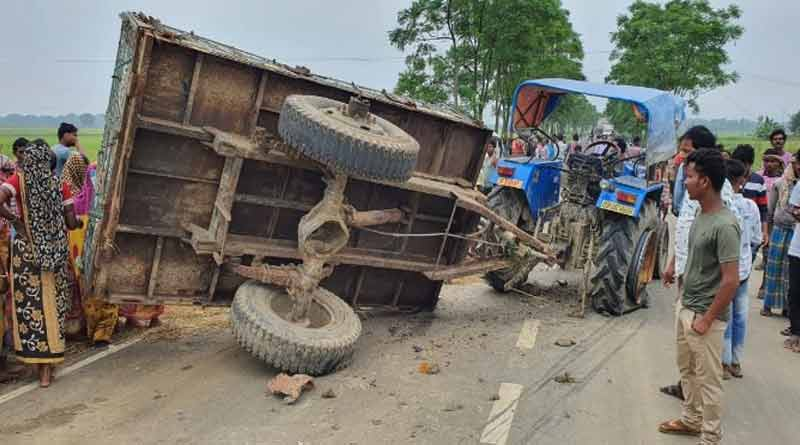 Three people killed in a road accident in Memari ।Sangbad Pratidin