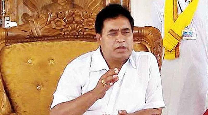 After TMC, now BJP leaders meet Ananta Maharaj | Sangbad Pratidin