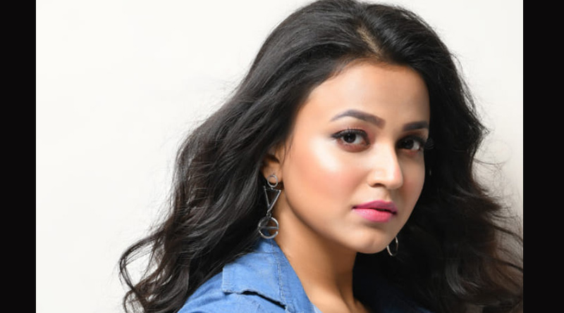 Actress Anwesha Hazra not happy with a fan for this reason | Sangbad Pratidin