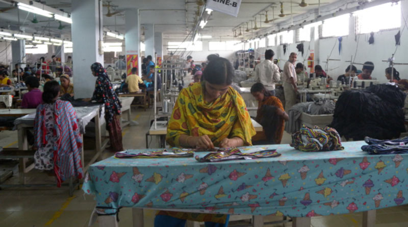 Bangladesh garment factory owner in trouble due to lockdown | Sangbad Pratidin