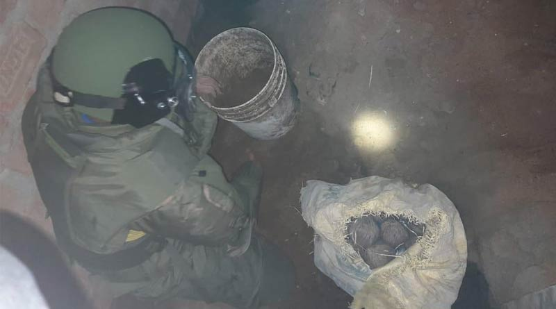 Crude bombs seized in Kolkata, four held | Sangbad Pratidin