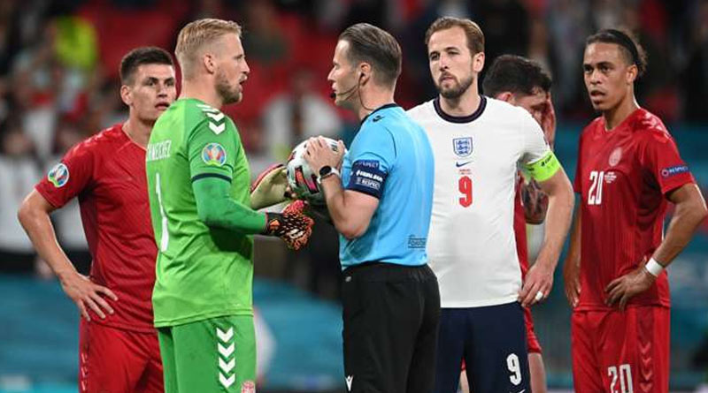 England charged over 'laser pointer' shone at Schmeichel in Euro 2020 semi-final win over Denmark | Sangbad Pratidin