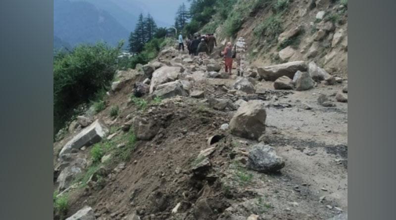 Himachal Pradesh: Boulders roll downhill due to landslide in Kinnaur resulting in bridge collapse, video viral | Sangbad Pratidin