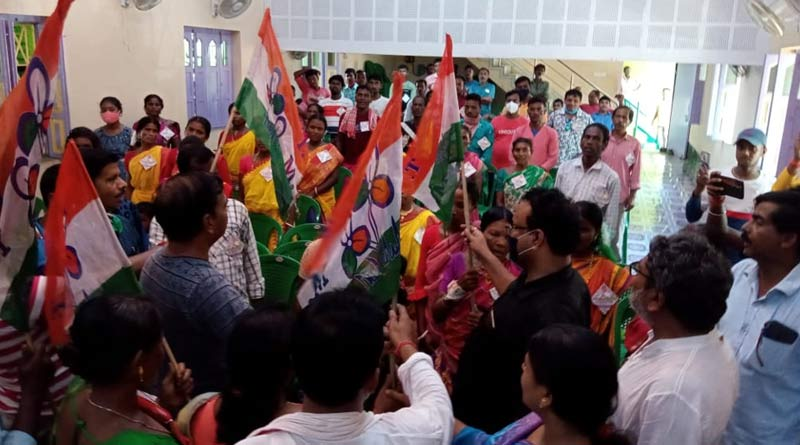 More than hundreds of BJP workers,supporters join TMC at Kalna | Sangbad Pratidin