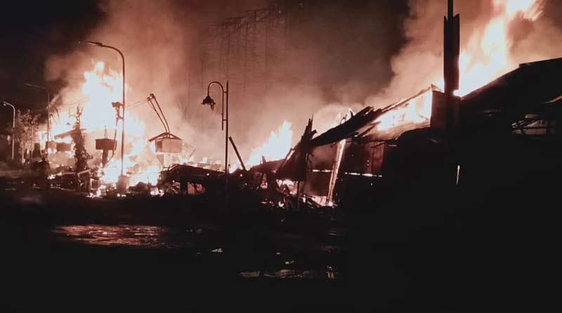 Massive fire broke out in Kestopur । Sangbad Pratidin