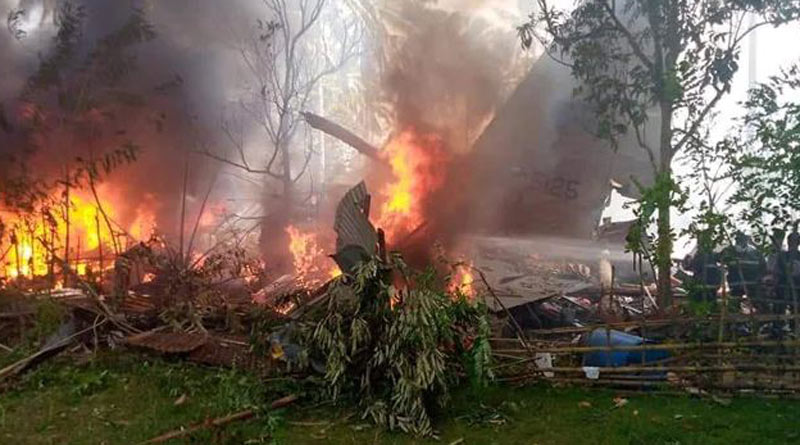 Philippine military plane carrying 85 people crashes, 40 rescued | Sangbad Pratidin