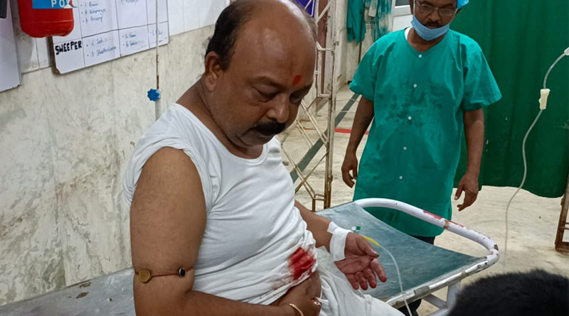 TMC leader of Purulia shot while returning home, admitted to the nearby hospital | Sangbad Pratidin