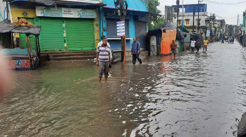 All over West Bengal waterlogged due to heavey rainfall, people are facing problems