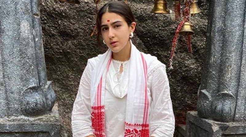 sara ali khan visits kamakhya temple | Sangbad Pratidin