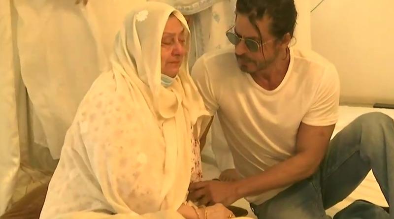 Bollywood actor Shahrukh Khan at Dilip Kumar House | Sangbad Pratidin