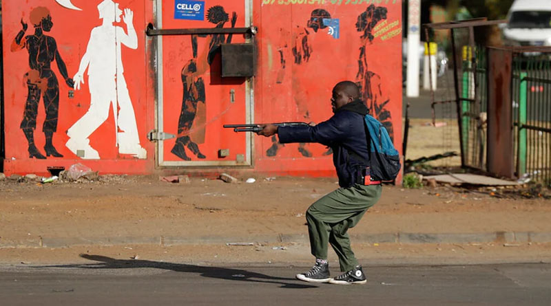 At least 212 dead as violence grips South Africa | Sangbad Pratidin