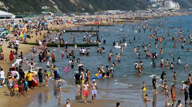 15 yr old Girl raped in the sea in front of unaware beachgoers in Bournemouth | Sangbad Pratidin
