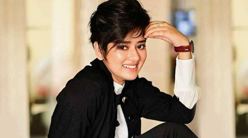 Actress Ditipriya Roy new instagram photo goes Viral | Sangbad Pratidin