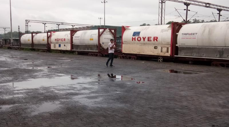 Indian Railways is transporting 'Oxygen Express' to Bangladesh | Sangbad Pratidin