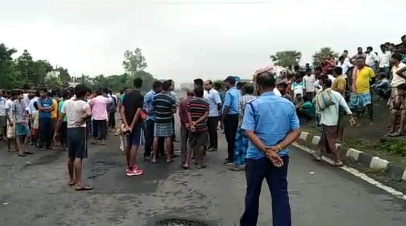 Four people killed in a road accident in Murshidabad । Sangbad Pratidin