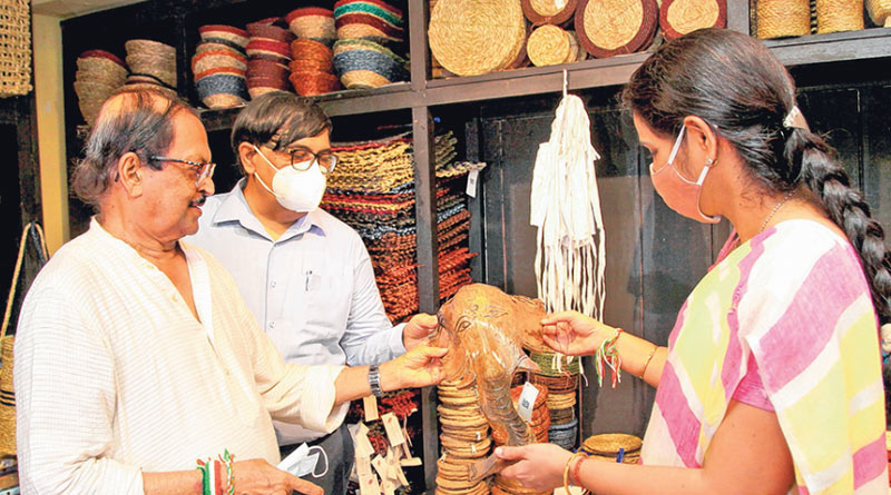 West Bengal govt trying to knot with e-commerce site to boost handicraft marketing