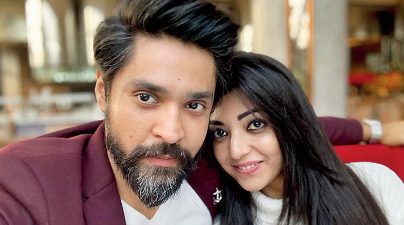 Celebrity couple Devlina Kumar and Gourab Chatterjee enjoying their honeymoon in goa   Sangbad Pratidin