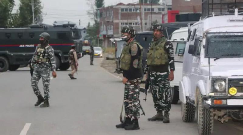 Lashkar terrorist killed in Kulgam, traffic suspended on Srinagar-Jammu highway | Sangbad Pratidin