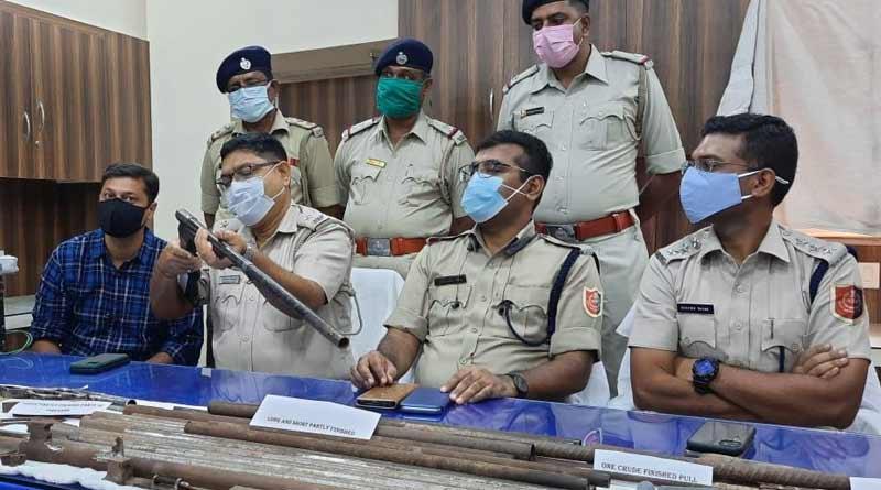 Katwa police busts illegal arms manufacturing unit in Lohapota village । Sangbad Pratidin