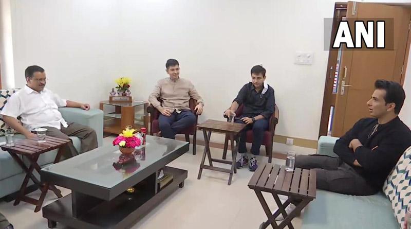 Actor Sonu Sood meets Delhi Chief Minister Arvind Kejriwal   Sangbad Pratidin