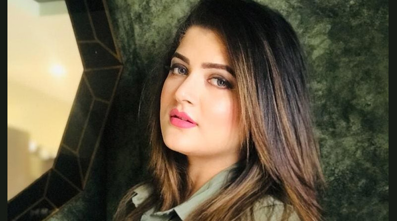 Srabanti Chatterjee trolled after posting picture of getting Corona Vaccine   Sangbad Pratidin
