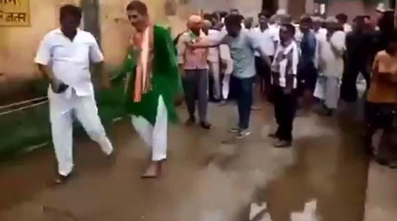 Villagers drag BJP MLA to walk him through sewage water in Uttar Pradesh | Sangbad Pratidin