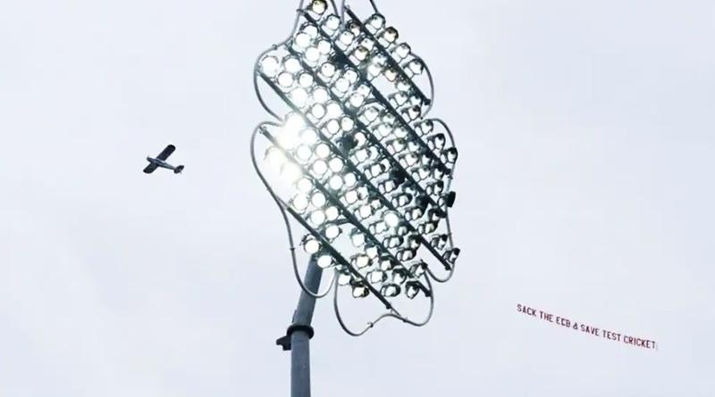 'Sack ECB and save Test cricket' - plane with banner flies over Leeds | Sangbad Pratidin