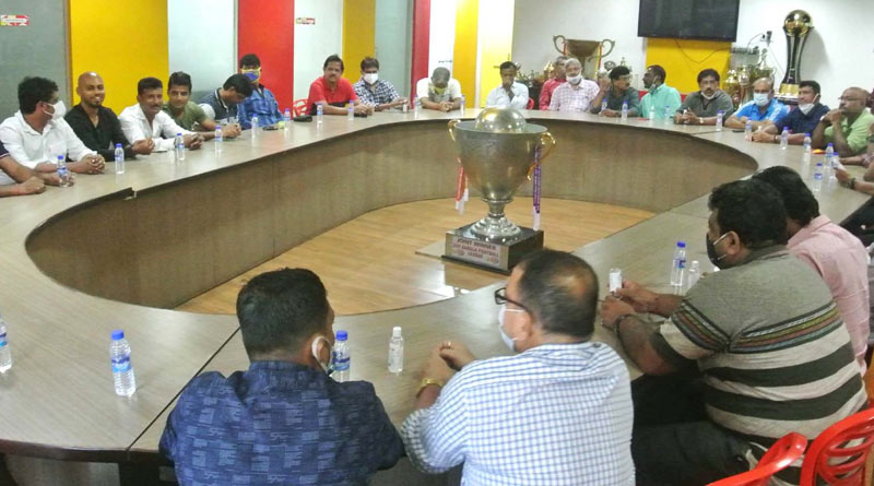 No solution o investor issue came out in the meeting of East Bengal | Sangbad Pratidin