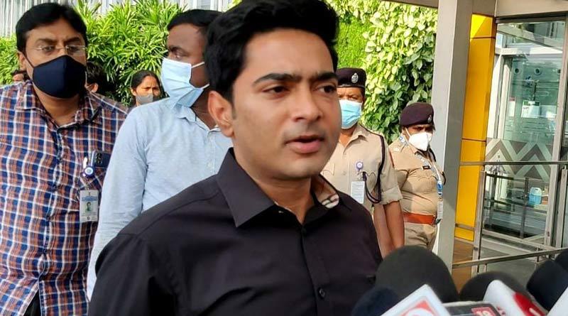 Abhishek Banerjee flies to Delhi, may attend at ED Office tomorrow | Sangbad Pratidin
