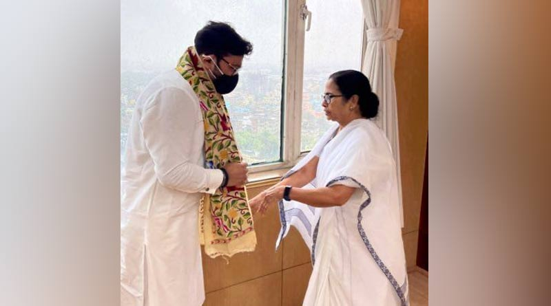 Turncoat babul Supriyo meets CM Mamata Banerjee | Sangbad Pratidin