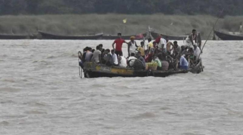 Boat capsized in Bihar 22 people in danger | Sangbad Pratidin