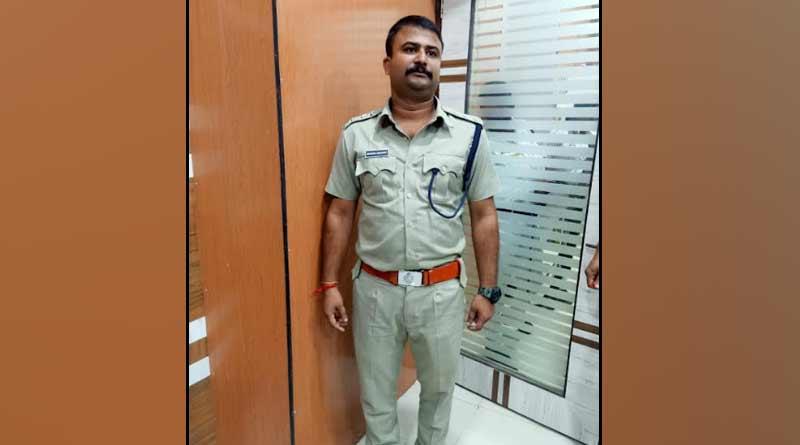 Fake DSP arrested from Hooghly's chandannagar | Sangbad Pratidin