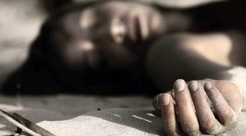 A woman's body recover from Kolkata's Bansdroni । Sangbad Pratidin