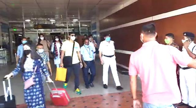 Dev and Rukmani Maitra reaches North Bengal for Kishmish Shooting