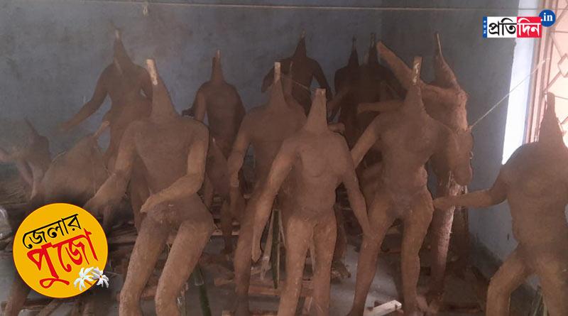 Durga Puja 2021: This puja in Jhargram depicts 'Laxmi Bhandar' as their theme | Sangbad Pratidin