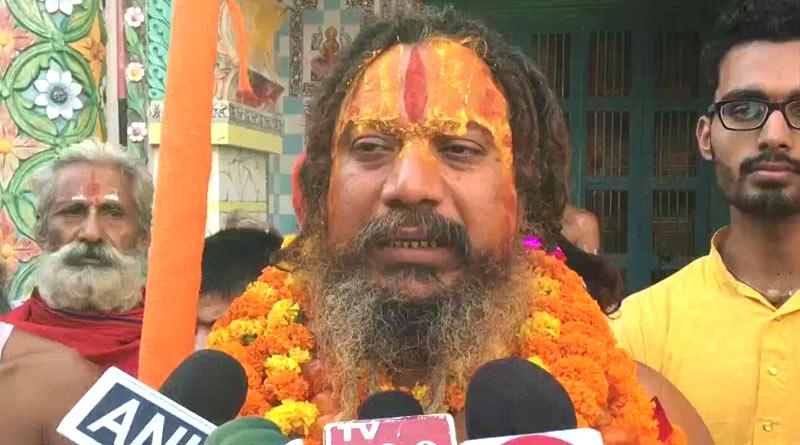 Saint threatens suicide if India not declared Hindu Rashtra | Sangbad Pratidin