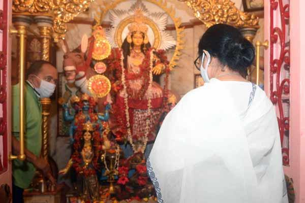Mamata Banerjee in temple