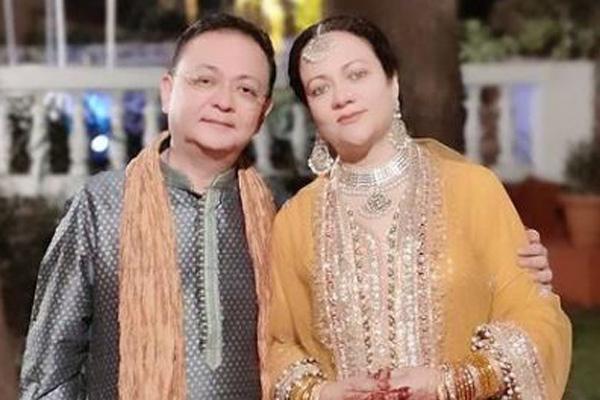 Mandakini-with-husband