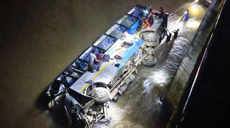 Meghalaya Bus Accident: 6 dead after bus carrying 21 passengers falls into river। Sangbad Pratidin