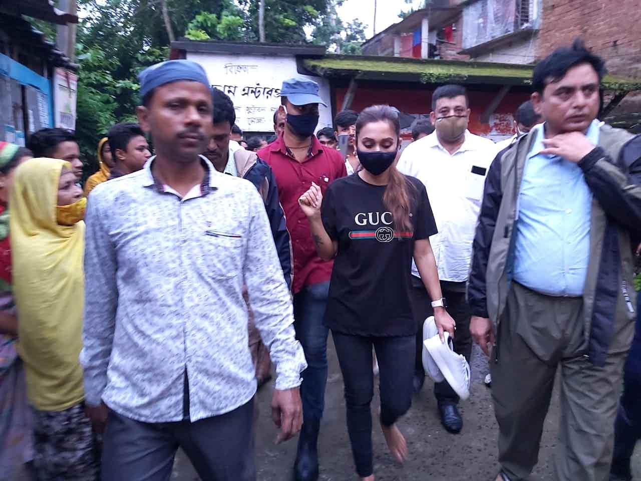 Mimi Chakraborty visits Bhangar